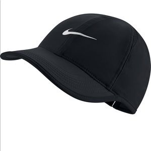 Nike Featherlight Dry Fit Hat